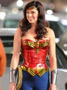 adrianna-palicki-wonder-woman-costume-435x580